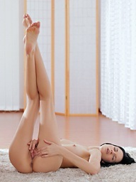 22011 - Nubile Films - Body Lines