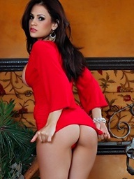 Vanessa Veracruz strips out of her hot red dress and..