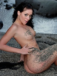 Babe with precious firm body posing ndue with black..
