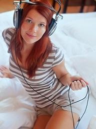 Redhead diva reveals..