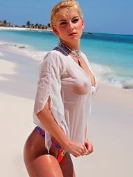 Beauteous Sophie Carina..