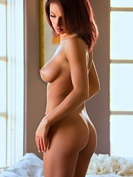 Victoria Lynn strips..