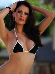 Vanessa Veracruz strips..