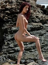 Leanna posing naked at..